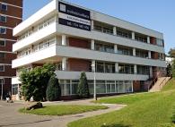 remu-santinka-budova-900