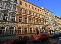 budova_900x600